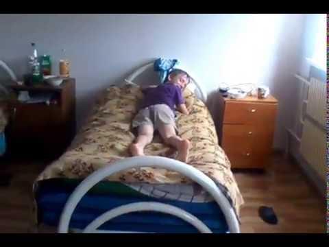 Трахает подушку видео оторвались