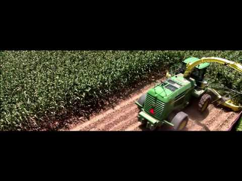 John Deere 7950 SPFH Forage Harvester Video