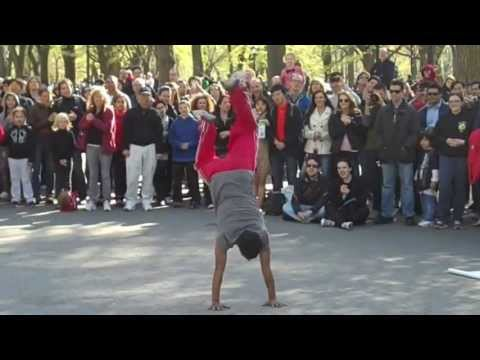New York City-Amazing Street Performers in Central Park-Real Crowd Pleasers!