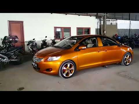 Mobil Berkepala Dua Dari Bandung