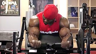 MuscleMeds Athlete & IFBB Pro Akim Williams Trains Back At Bev Francis Powerhouse Gym