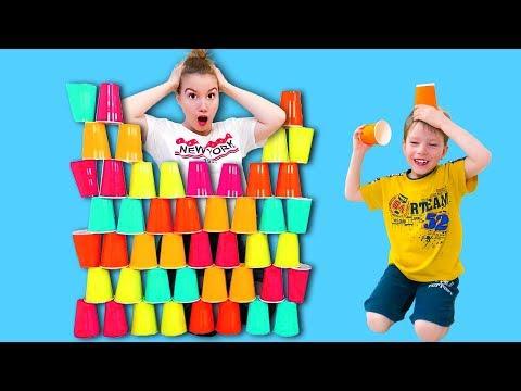 Света и Богдан построили ПИРАМИДУ из стаканчиков Для Детей kids children