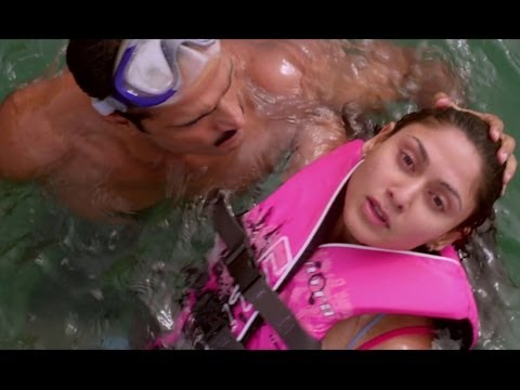 Manjari Fadnis suffers from aquaphobia - Warning
