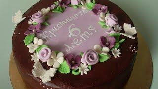 Торт с творожным кремом бананами и ягодами. Как украсить торт мастикой. Бисквитный торт.