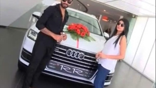 In Graphics:          Ravindra Jadeja and his wife involved in road accident