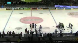 Sebastian Karlssons otäcka huvudtackling på Magnus Kahnberg - Hela incidenten | 11-11-05 |