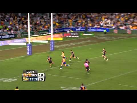 A great try from Jarryd Hayne against the Tigers in 2009 at the Sydney Football Stadium.