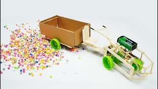 DIY CARDBOARD! HOW TO MAKE TRACTOR AT HOME - SIMPLE LIFE HACKS