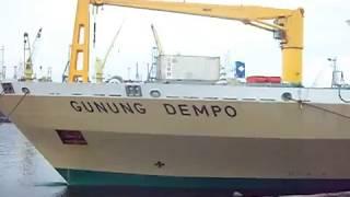 Kapal KM Gunung Dempo Klakson