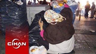 Taksim'de çöpten Ekmek Toplayan Kadın Yürekleri Burktu