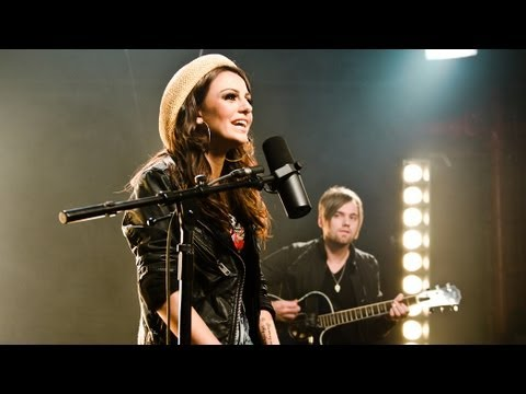 Cher Lloyd - want U Back Live Acoustic Session video