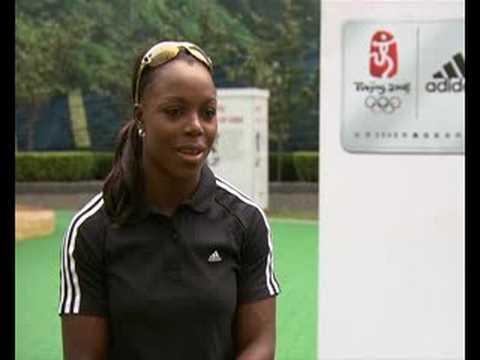 Campbell-Brown, velocista jamaiquina, defiende su título en 200m