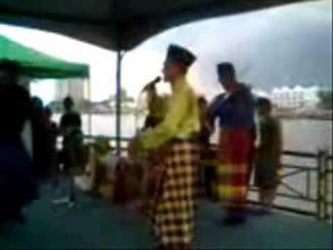 Tarian Tradisional Melayu Sarawak- Memukun