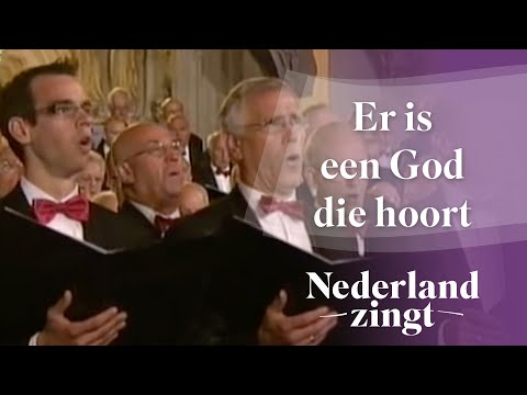 Er Is Een God Die Hoort video