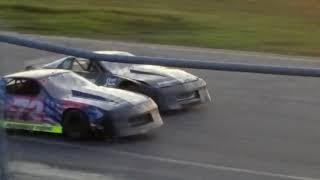 Speedway 95 - 9/2/17 Strictly Street Feature Race - Kick ass finish for Dean Clements!!!