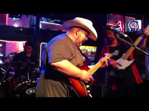 Johnny Hiland plays live at the Cross Roads his new Johnnyblades