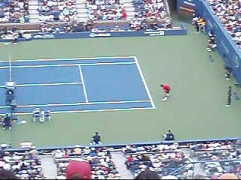 Roger Federer and Tommy Robredo at the United States Open