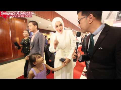 Puteri Balqis & Umie Aida Pakai Busana Michael Ong Di Anugerah Skrin 2014