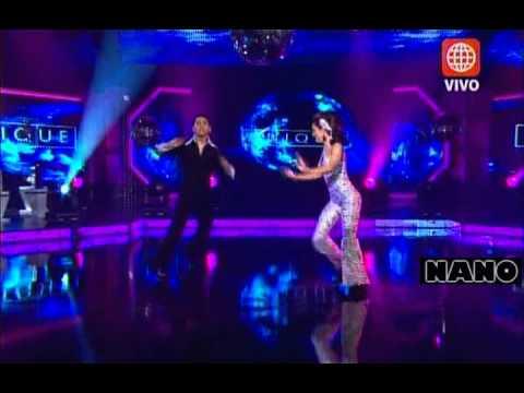 Disco: Maricielo Effio y Elí Vela (El Gran Show: Reyes del Show 05-11-2011)