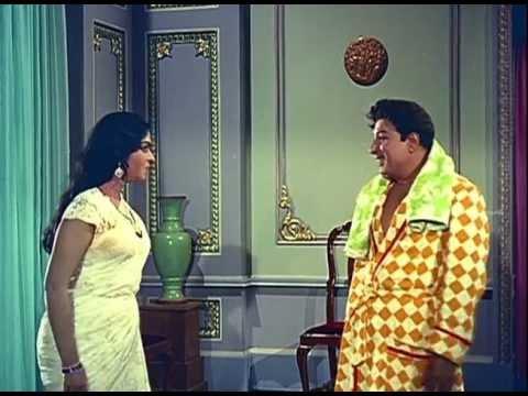 Anbe Vaa - Saroja Devi Scolds M.g.r video