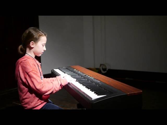 Clemmy (8) plays Snow Castle Waltz - piano recital
