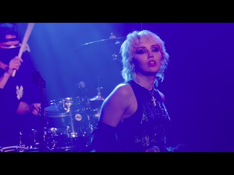 Download Lagu Miley Cyrus - Live from Whisky a Go Go - Zombie #SOSFEST