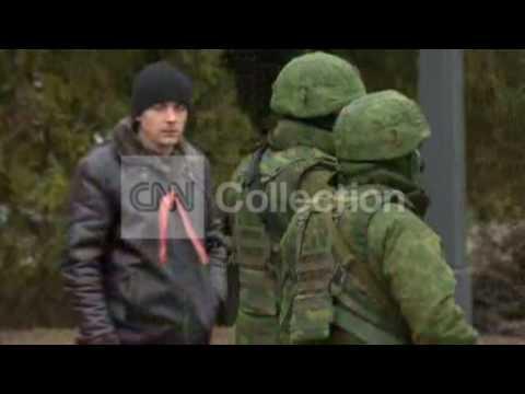 UKRAINE:SOLDIERS PATROL CRIMEAN REGION