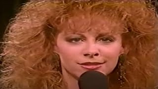 Watch Reba McEntire til Love Comes Again video