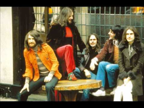 Kinks - In a Foreign Land