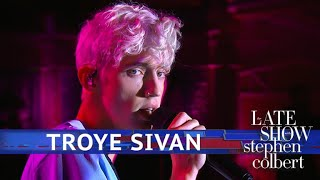 Download Lagu Troye Sivan Performs 'Plum' Gratis STAFABAND