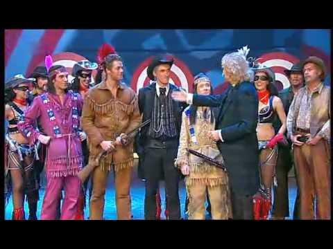 Ausschnitte aus dem musical der schuh des manitu 2009 for Schuh des manitu zitate