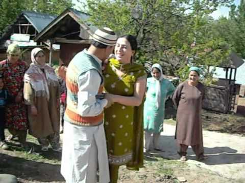 Kashmiri Pandit Welcomed In Kashmir video