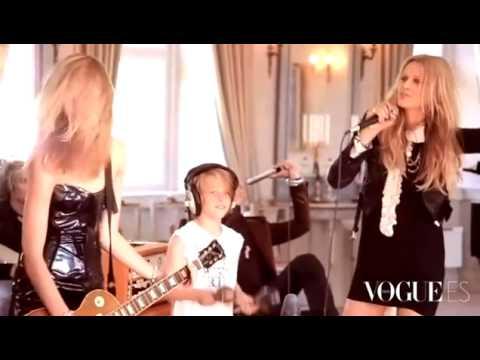 Toni Garrn & Iselin Steiro @ Vogue Espana.flv