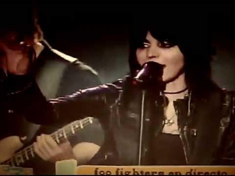 Foo Fighters - Bad Reputation (Joan Jett cover) (with Joan Jett) - Lollapalooza Chile 2012