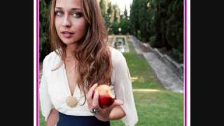 Watch Fiona Apple Better Version Of Me video