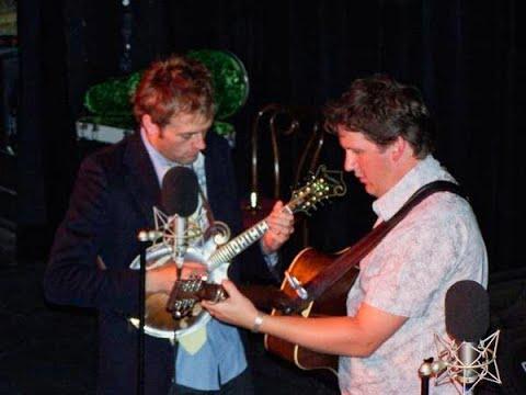 Bryan Sutton and Chris Thile - Raining At Sunset - Merlefest 2001