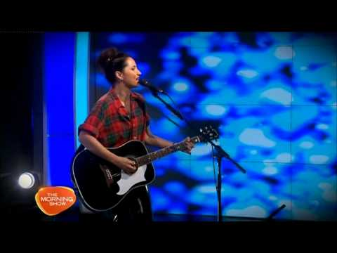 Kt Tunstall - Suddenly I See (live On The Morning Show, April 2014) video