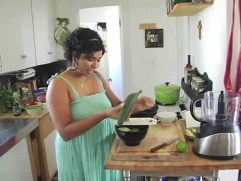 Aarti Paarti Ep. 21: Peanut noodles with