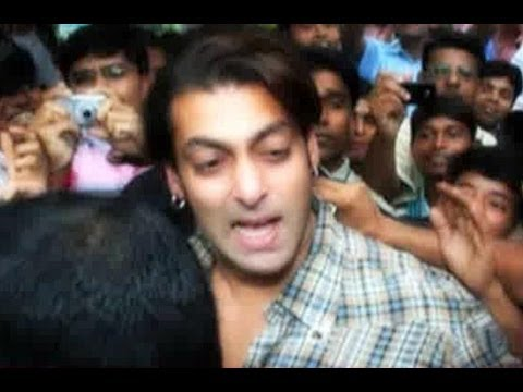 The Most Embarrassing Moments Of Salman Khan, Ranbir Kapoor In Public video