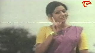 Actress Sridevi's Hot Video from her First Movie