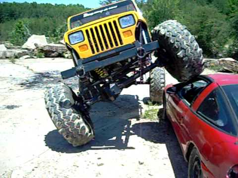 Jeep Cherokee RC Rock Crawler http://www.vxv.com/video/xCUt0wLdQhgH/jeep-cherokee-xj-rc-losi-mini-rock-crawler.html