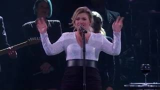 Kelly Clarkson A Minute A Glass Of Wine Live In Kansas City Mo