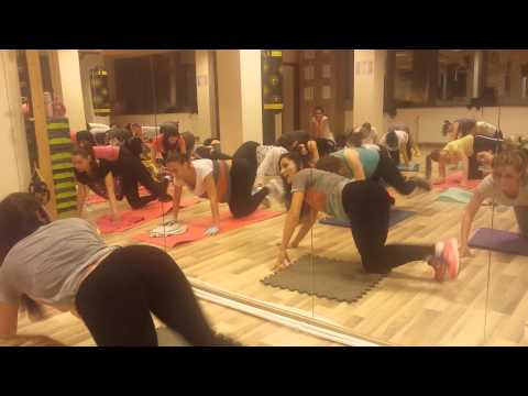 Aerobic Cu Raluca - Buttworkout video