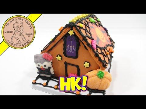 Hello Kitty Spooky Halloween Cookie House