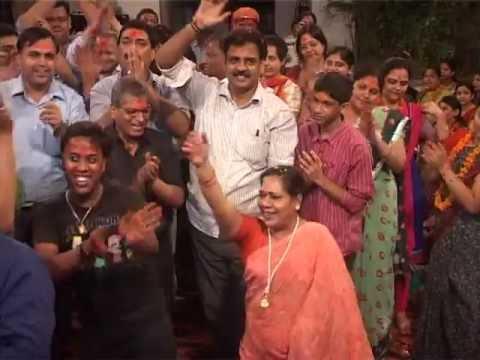 Radhe Radhe Japo Chale Aayenge Bihari- Krishna Bhajan - Moti Mehta Ji video
