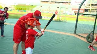 Download Lagu Mike Trout spends time with one of his biggest fans Gratis Mp3 Pedia