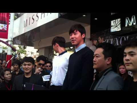 [HD] TVXQ @ Missha shop, Siam square