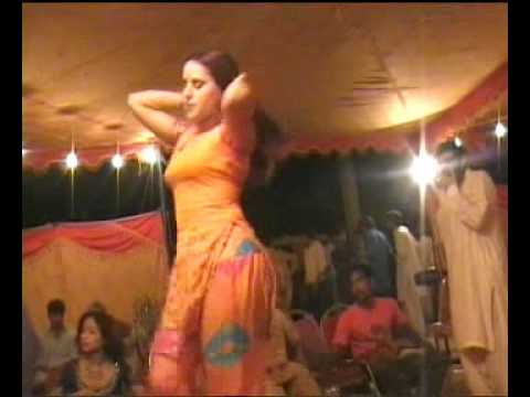 Katrina Kaif Vs Kareena Kapoor  Mujra video
