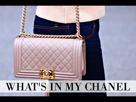 WHAT'S IN MY BAG   CHANEL BOY BAG + REVIEW + IS IT WORTH IT?