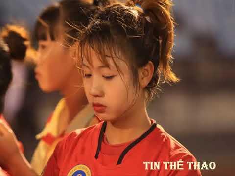 Nữ cầu thủ Việt sinh năm 2000 'phát sốt' chỉ sau một đêm | tin thể thao